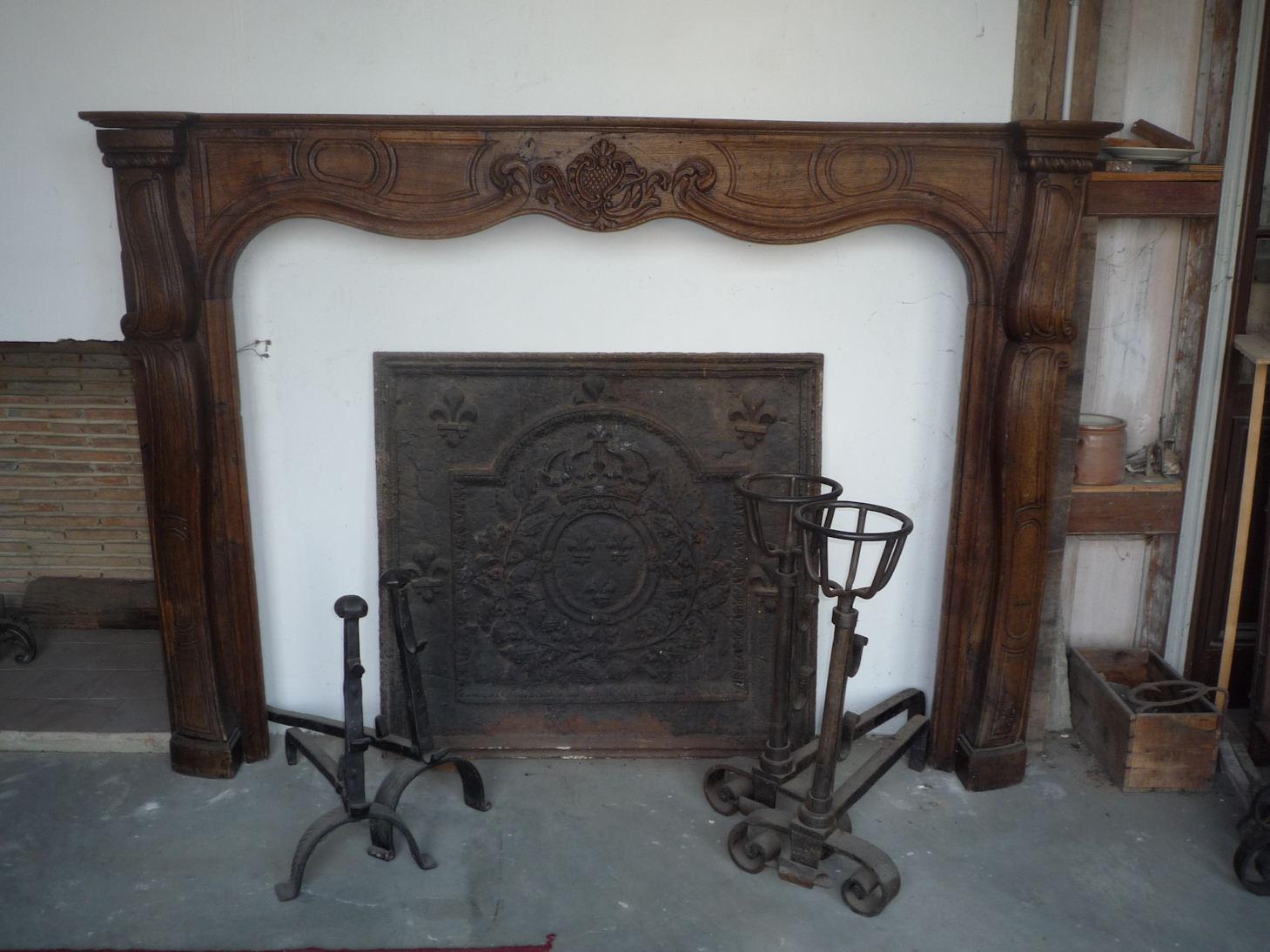 mat riaux d 39 antan chemin es anciennes en marbre bois granit ou en pierres serviteur. Black Bedroom Furniture Sets. Home Design Ideas